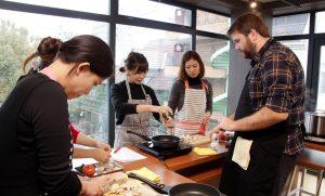 料理で英会話!外国人の先生から習う料理教室に行ってみた!