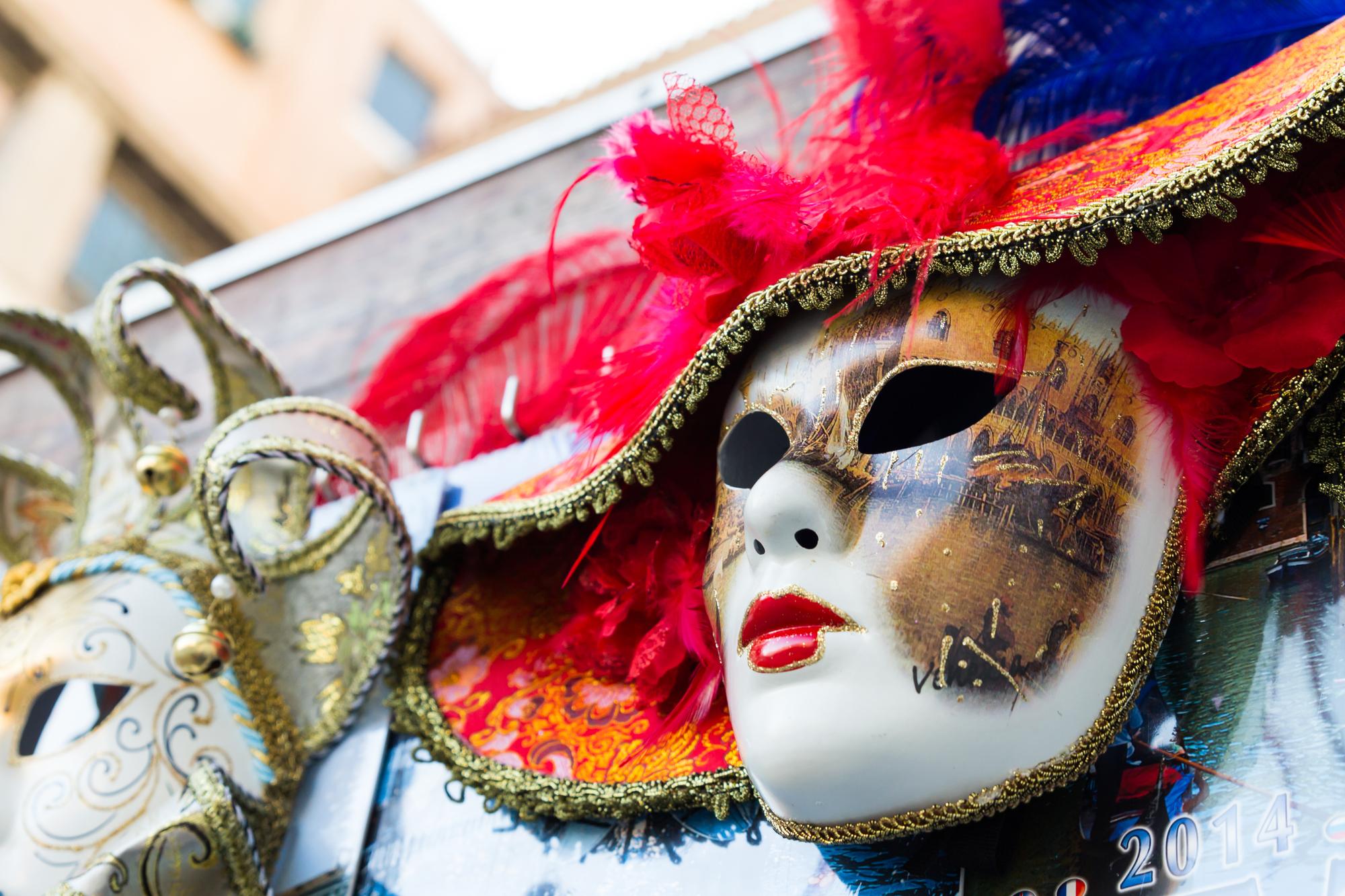 独特な仮装が印象的な「仮装コンテスト」は誰でも参加可能!
