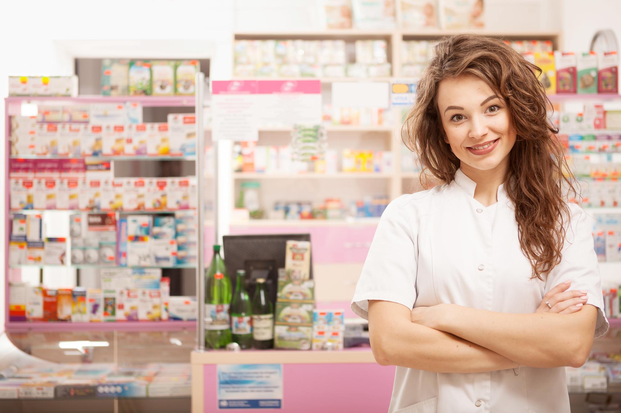 簡単な診察なら薬局で受けられることも。薬については薬剤師に相談してみよう