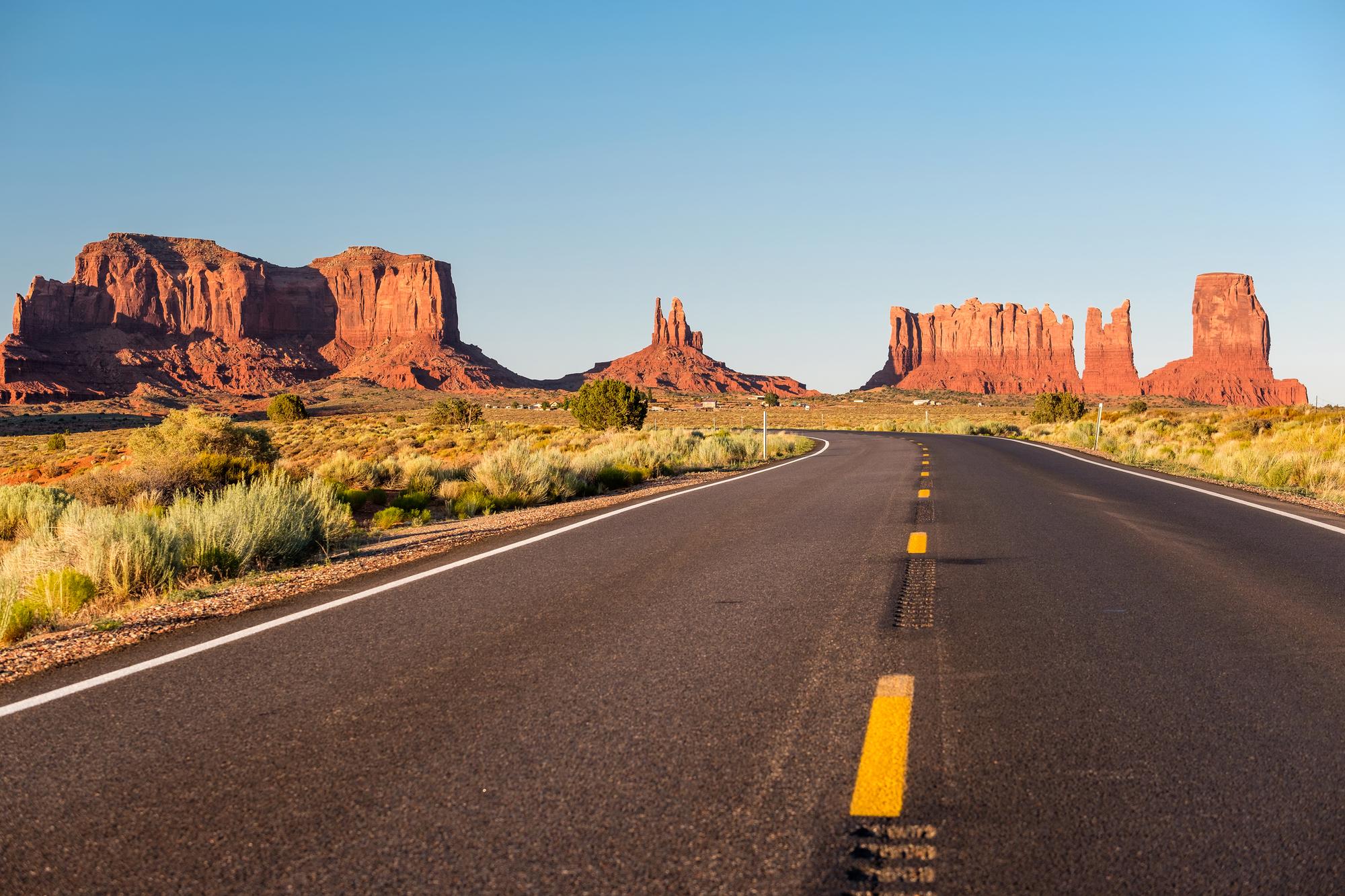 世界には、レンタカーがなければ見られない景色がたくさん!