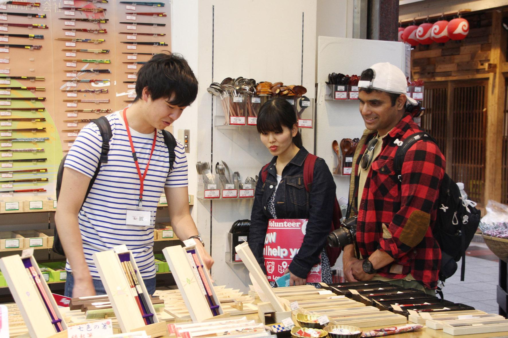英語は手段。道案内では日本の歴史や文化を知っておくことも大切